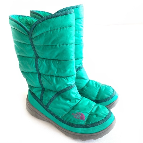 70a0b9245 The North Face Girls Amore Snow Boot Size 5